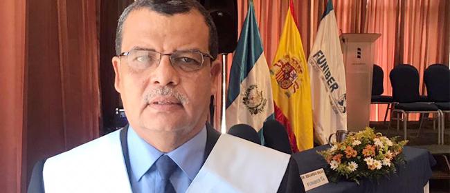 Opinião do Élder Romeo León, estudante da Guatemala, patrocinado pela FUNIBER
